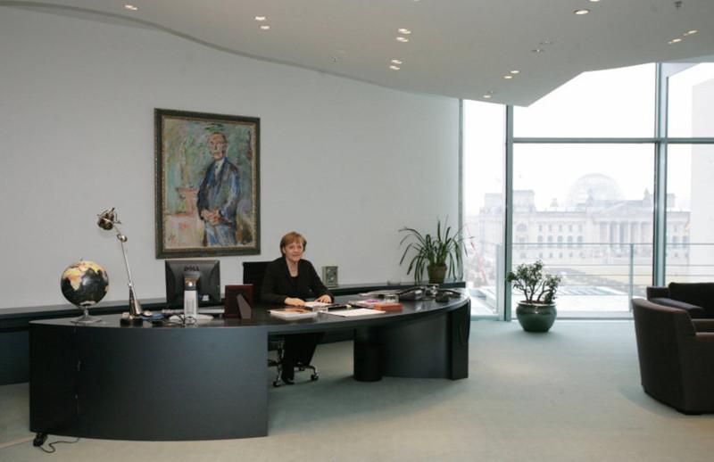 Вот в каких рабочих кабинетах трудятся мировые лидеры