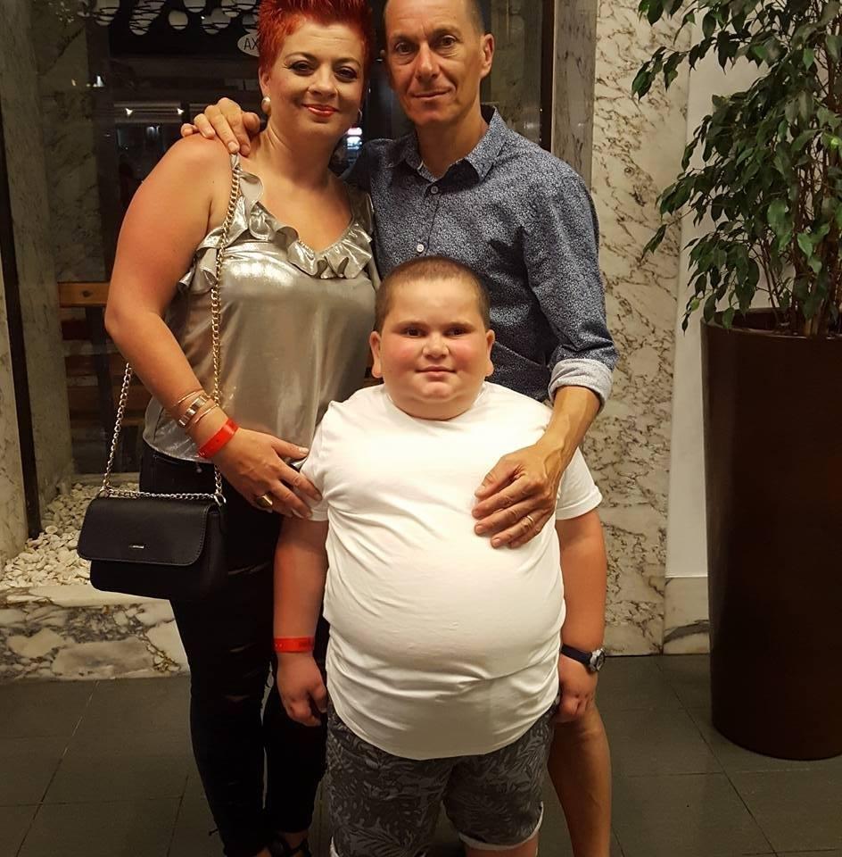 Родители заметили, что их сын стремительно толстеет. После осмотра врач поставил безнадежный диагноз…