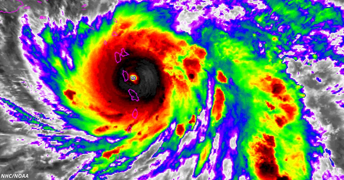 Новый ураган Мария сровнял с землёй целую страну на Карибах и движется дальше