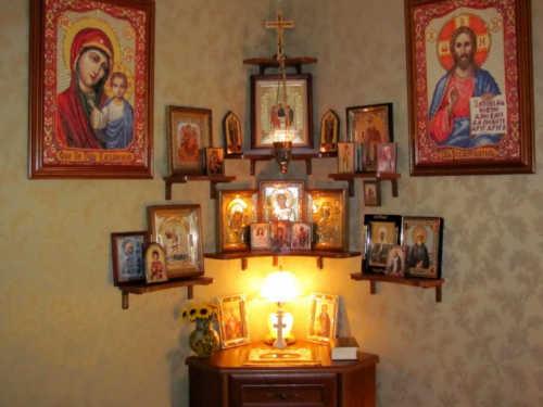 Как стоит размещать иконы в квартире? Вот где ни в коем случае нельзя располагать образы святых!