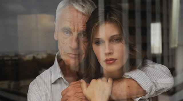 Для мужчины обмен жены на молодую девушку — смертельный приговор