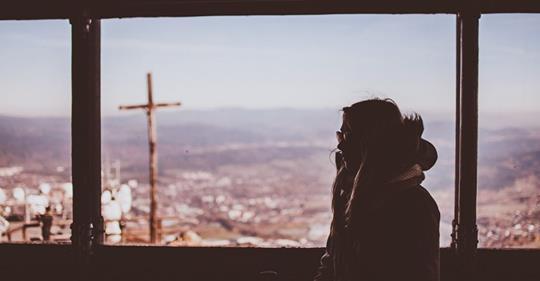 «ЗАЧЕМ МЫ ВСТРЕТИЛИСЬ? — СПРОСИЛА Я У БОГА…» — СТИХОТВОРЕНИЕ ТРОГАЮЩЕЕ ДО СЛЁЗ