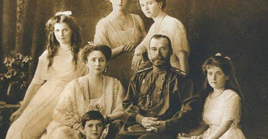 Она предчувствовала смерть: Александра Романова написала эти слова в своем дневнике в последние часы жизни