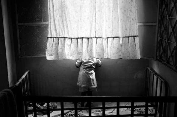 Воспитательница рассказала печальную историю, почему в детдоме не слышен десткий плачь