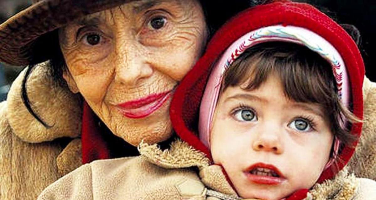 Девочка, которую мама родила в 67 лет выросла