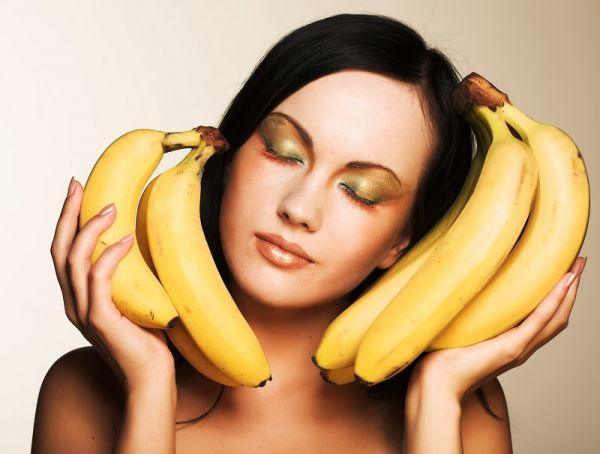 3 кусочка банана, 0,5 чайной ложки соды — эликсир молодости готов Маска против пигментации и морщин.