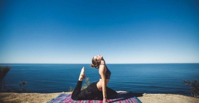 ЭНЕРГЕТИЧЕСКАЯ ЗАРЯДКА. 10 упражнений чтобы молодеть по дням, а по часам!