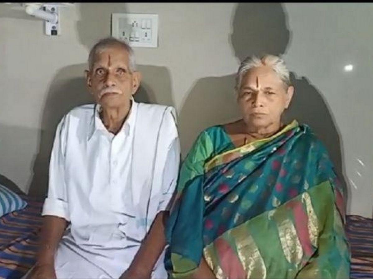 В Индии 74 летняя женщина родила детей после ЭКО