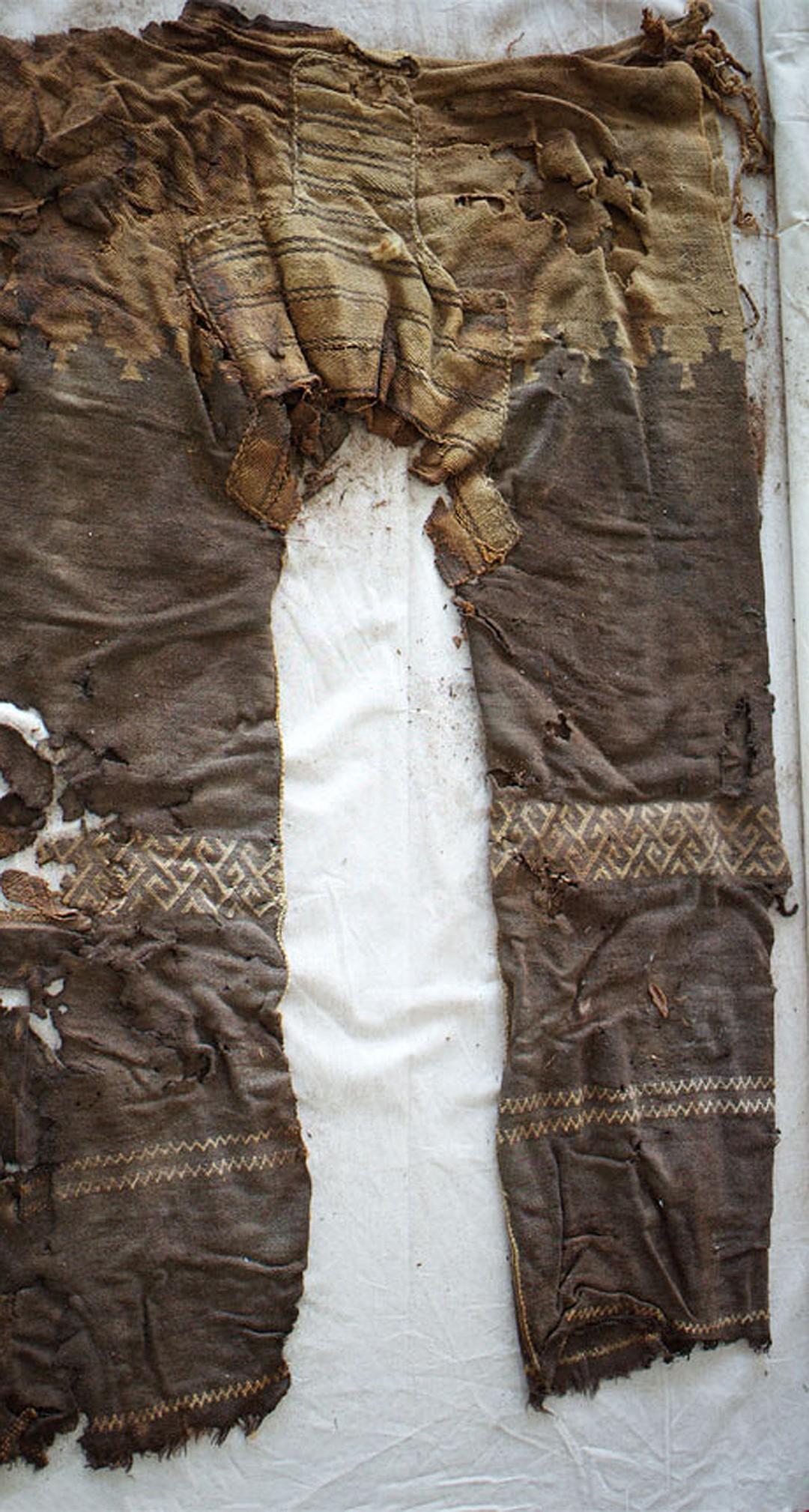Археологи нашли самые старые штаны в истории
