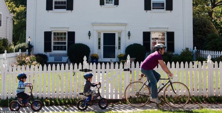 Что лучше: воспитывать детей в городе или за городом? Вот 11 отличий