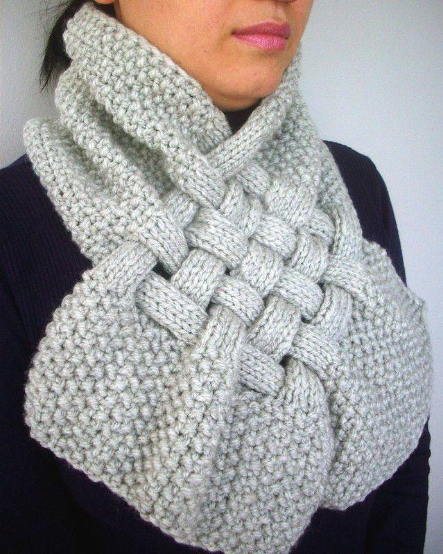 Снуд шарф с элементами плетения: просто, стильно и необычно
