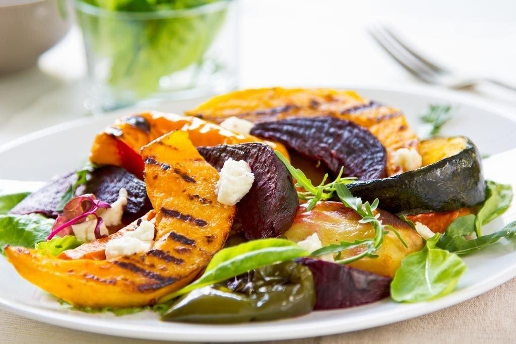 6 самых вкусных салатов для праздничного стола