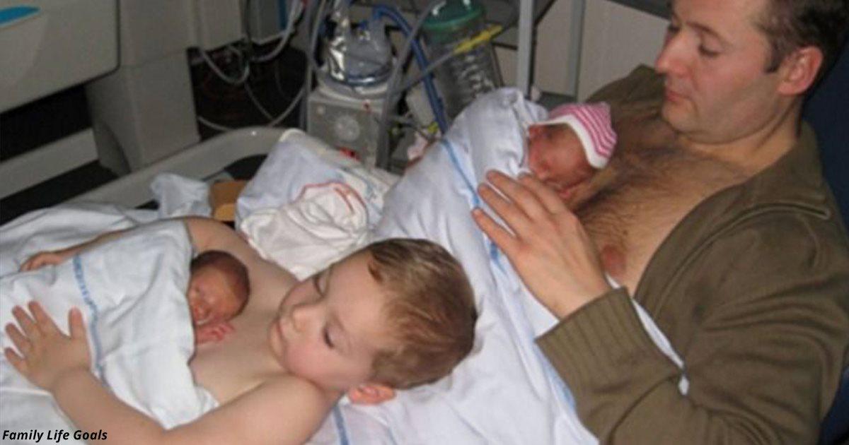 Тёплое фото отца и сына, которые прижимают «кожа к коже» новых членов семьи