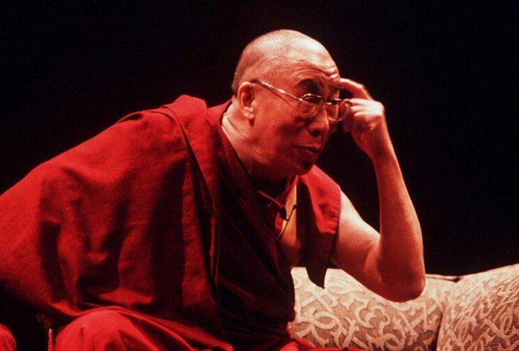 Далай-Лама высказался о массивном промывании человеческого мозга