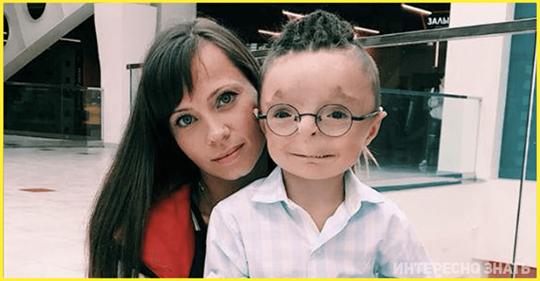Женщина усыновила мальчика, которого никто не хотел брать. Каким он стал сегодня
