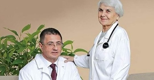 90-летняя мама знаменитого доктора Мясникова: «Мою полы руками и радуюсь каждому дню!» Лучшие советы для здорового долголетия