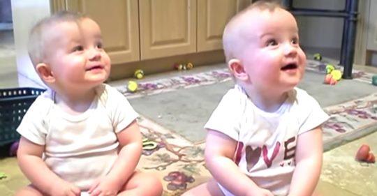 Видео с малышами, которые пародируют своего отца, взорвал интернет