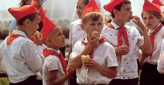 Вспомнить все: 15 фотографий нашего детства