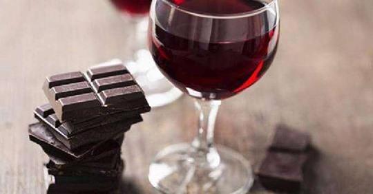 Хотите сохранить молодость – употребляйте больше вина и шоколада
