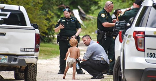 3-летний мальчик с аутизмом ушел из дома. Когда его нашли, он был не один