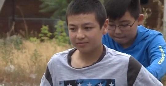 Мальчик не только собрал 1 400$ на лечение друга, а и прилетел поддержать его на другой континент