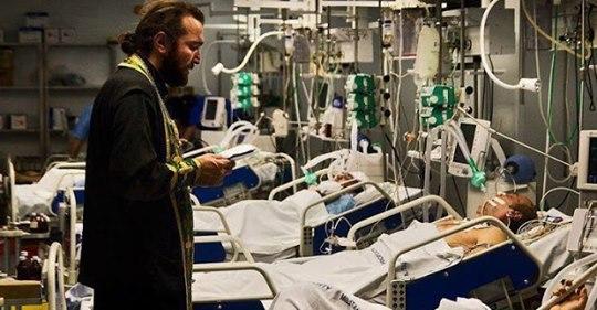 «Никто не смеётся над Богом в больнице» — потрясающее стихотворение!