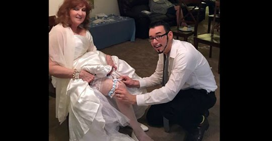 Бес в ребро: 71 летняя дама вышла замуж за 17 летнего юношу