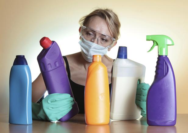 Запахи бытовой химии более вредны, чем курение 1 пачки сигарет в день, особенно для женщин!