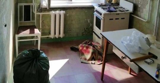Маленькую «бабушкину» кухню превратили в стильную и яркую комнату
