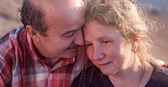 На старости лет наша мама просто сошла с ума: собралась выходить замуж. Маме 76 лет.