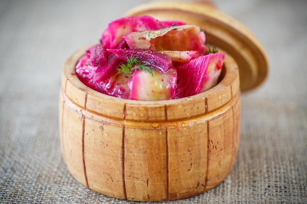 Вкусная закуска из капусты и свеклы: рецепт «Пелюстка»