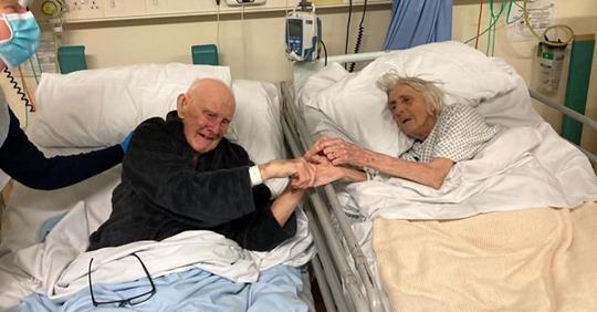 Супружеская пара прожила вместе 70 лет и взявшись за руки ушли в один день