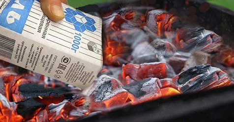 Почему во время жарки шашлыка нужно сыпать соль на угли