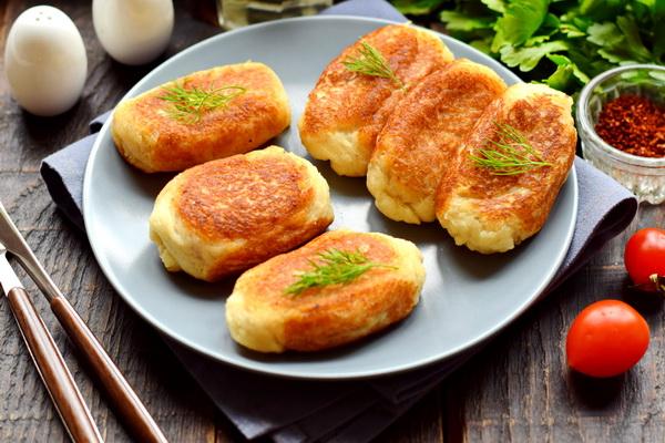 Пирожки из хлеба: простое вкусное лакомство