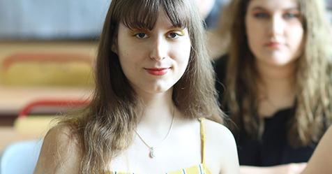 Надя встретила свою школьную обидчицу через 15 лет после выпускного