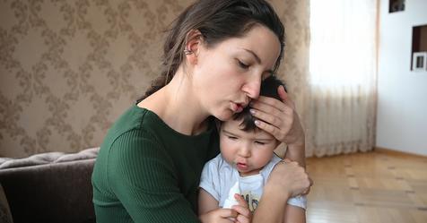 Муж вышвырнул меня из дома с ребенком, а через 20 лет попросил прощение