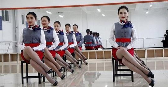 Не каждый спецназовец сможет стать китайской стюардессой. Там такой отбор, что у меня аж челюсть выпала… (10 фото)