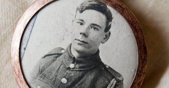 Семья вскрыла чемодан солдата 1916 года. Смотрите, что там внутри